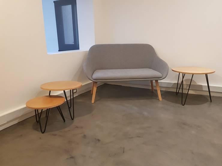 TRIO: Salas de estilo  por SIMPLEMENTE AMBIENTE mobiliarios hogar y oficinas santiago