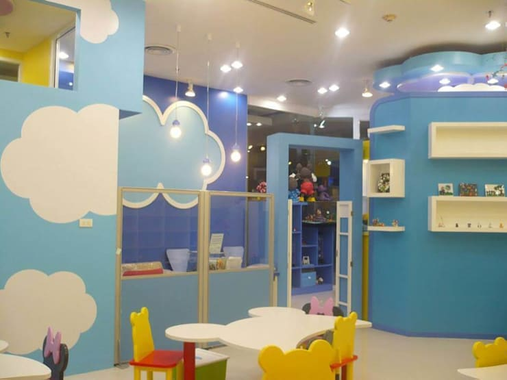 Clay works 3-D Art Learning center:  Nursery/kid's room by UpMedio Design