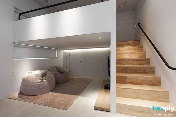 가족을 위한 공간 - 팔레트 (전주 광주 대전 대구 인테리어): 디자인투플라이의  계단,모던