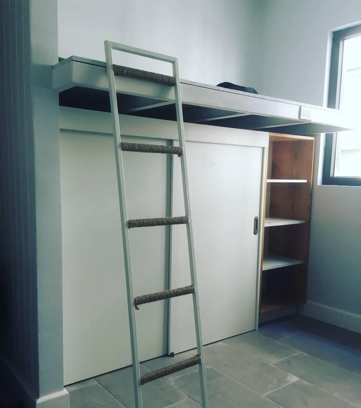 dormitorio Niña: Habitaciones infantiles de estilo  por MMAD studio - arquitectura & mobiliario -