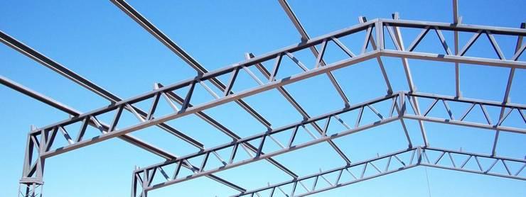 NAVE INDUSTRIAL & ESTRUCTURAS METALICA: Techos planos de estilo  por P&S Global Mining SAC