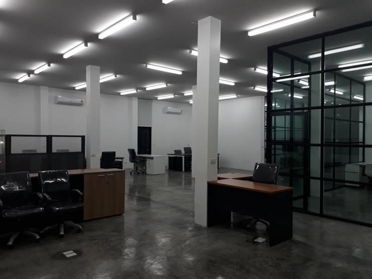 renovate offic :  อาคารสำนักงาน by somsou87