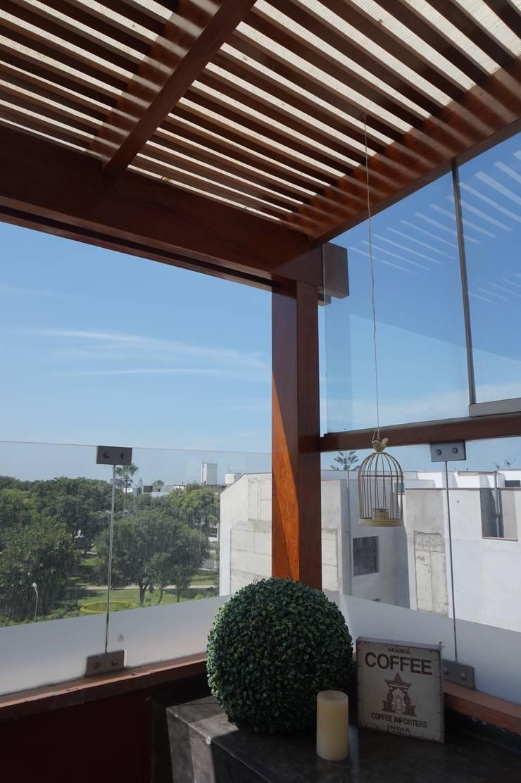 TERRAZA_W: Terrazas de estilo  por WeisCoello Arquitectos,