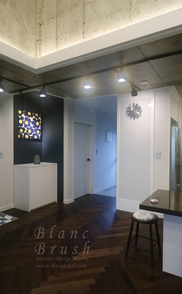 금곡동 청솔마을 공무원 아파트 5단지 24평형 인테리어: 블랑브러쉬의  거실,