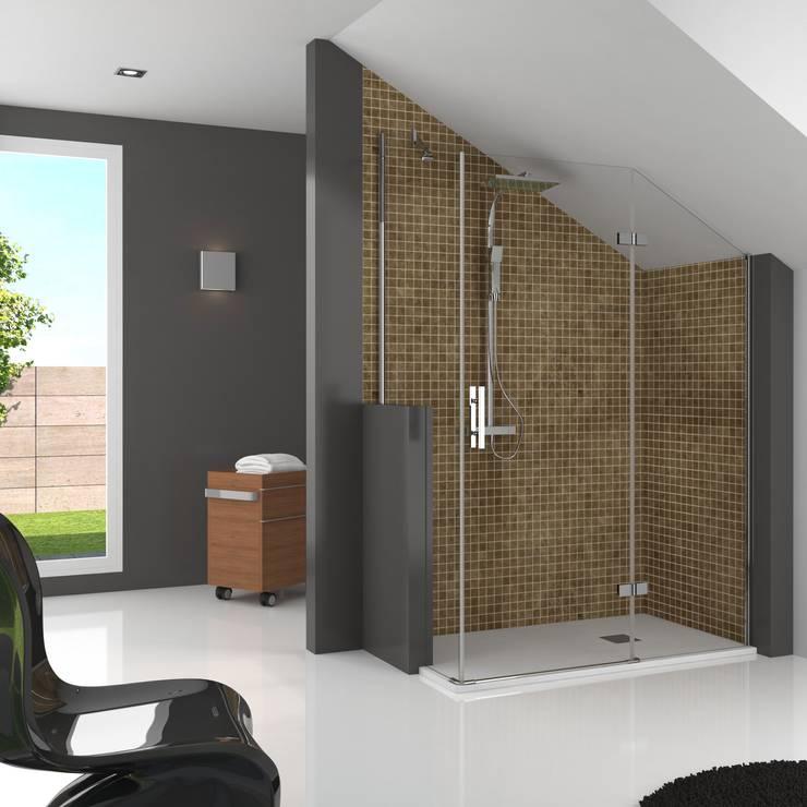 Mampara de ducha con corte abuhardillado: Baños de estilo  de Banium-Reformas del Hogar