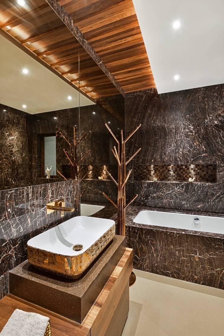 Rejuvenating Sundowner Modern bathroom by Ar. Milind Pai Modern