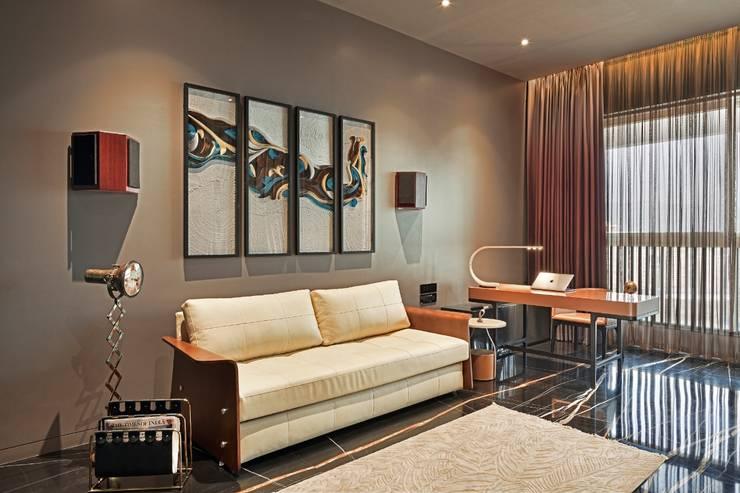 Rejuvenating Sundowner Modern living room by Ar. Milind Pai Modern