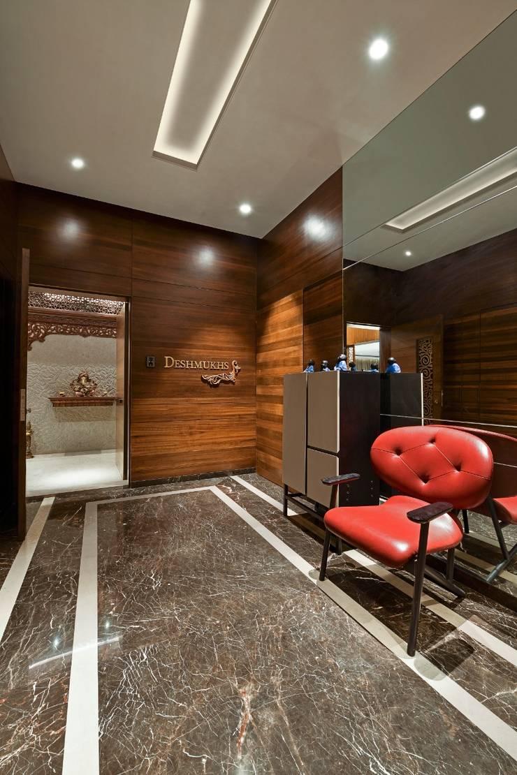 Rejuvenating Sundowner Modern corridor, hallway & stairs by Ar. Milind Pai Modern