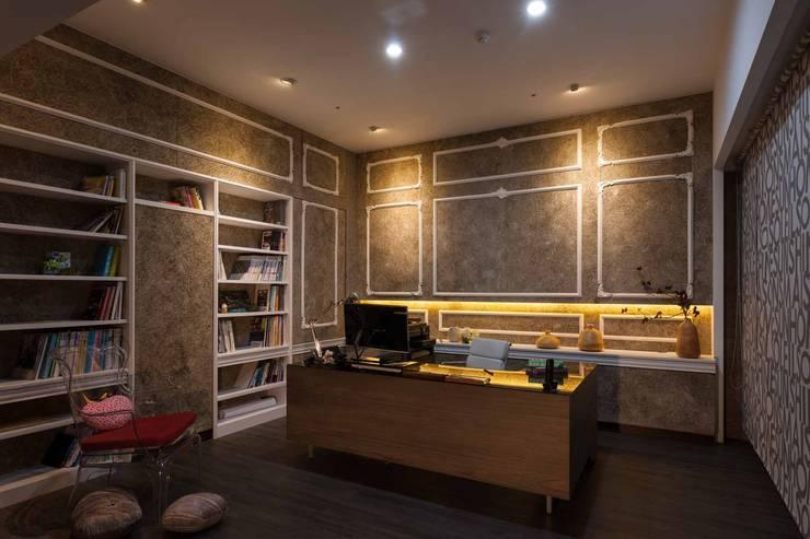 辦公室:  書房/辦公室 by 敘述室內裝修設計有限公司