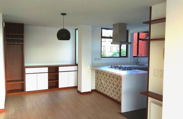 Moderne Küchen von EVA Arquitectos SAS Modern