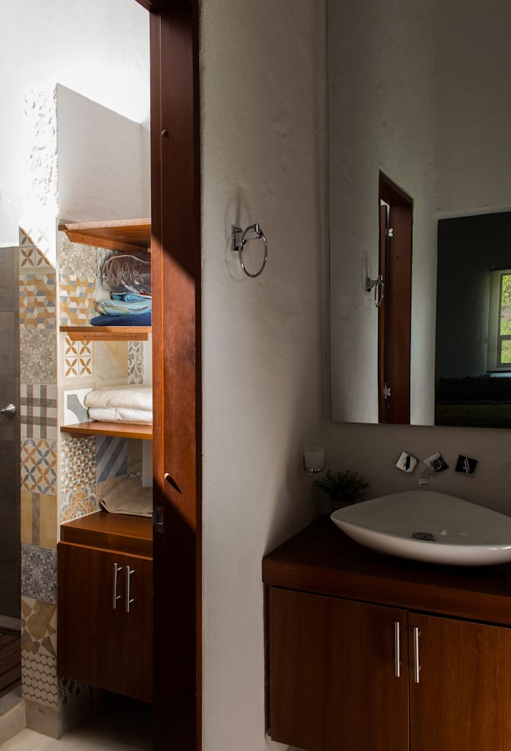 Baño habitación principal Baños de estilo moderno de EVA Arquitectos SAS Moderno
