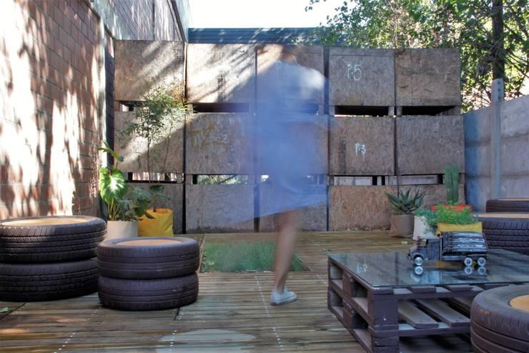 Proyecto Jardín Serminsa: Oficinas y Comercios de estilo  por Tallo Taller