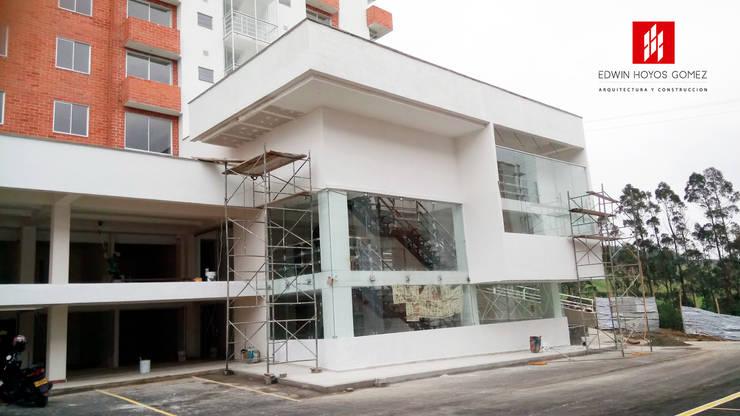 Diseño e interventoria Edificio de Oficinas Constructora Enriquez Asociados SAS. – Año 2016:  de estilo  por EHG arquitectura y construcción