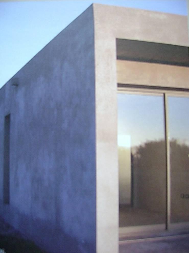 Kleines Haus von Fabiana Ordoqui  Arquitectura y Diseño.   Rosario | Funes |Roldán, Minimalistisch Eisen/Stahl
