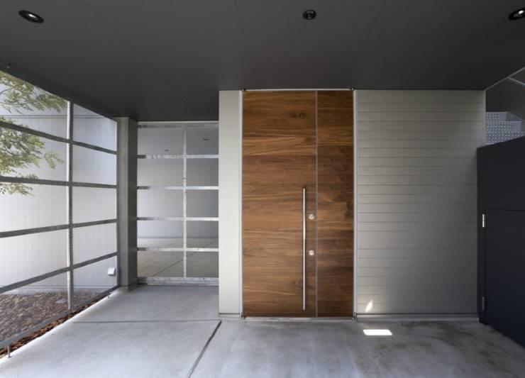 di Fabiana Ordoqui Arquitectura y Diseño. Rosario | Funes |Roldán Minimalista Legno Effetto legno