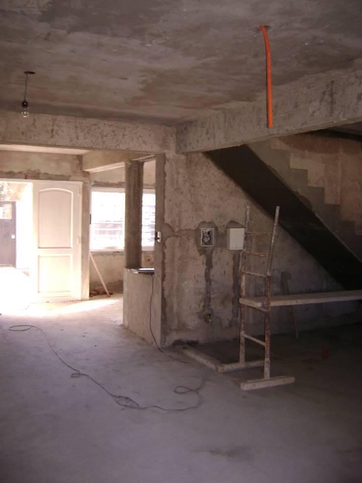 Stairs by Fabiana Ordoqui  Arquitectura y Diseño.   Rosario | Funes |Roldán, Minimalist Concrete