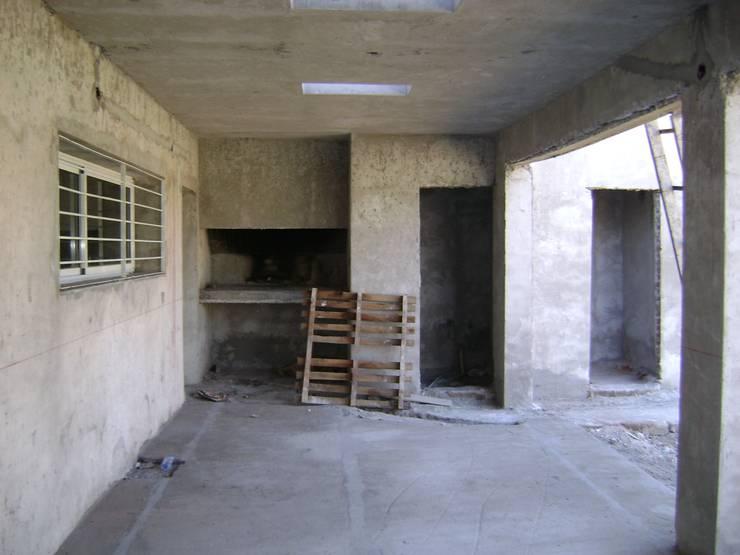 Einfamilienhaus von Fabiana Ordoqui  Arquitectura y Diseño.   Rosario | Funes |Roldán, Minimalistisch Ziegel