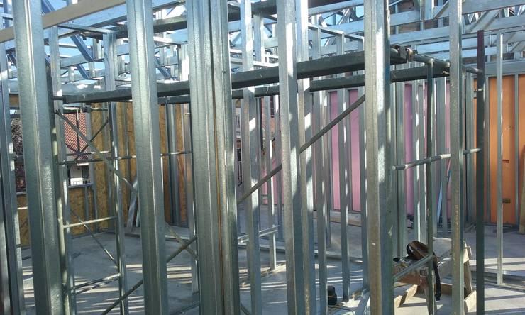 Construcción 2° piso en Metalcon:  de estilo  por ECONproyectos