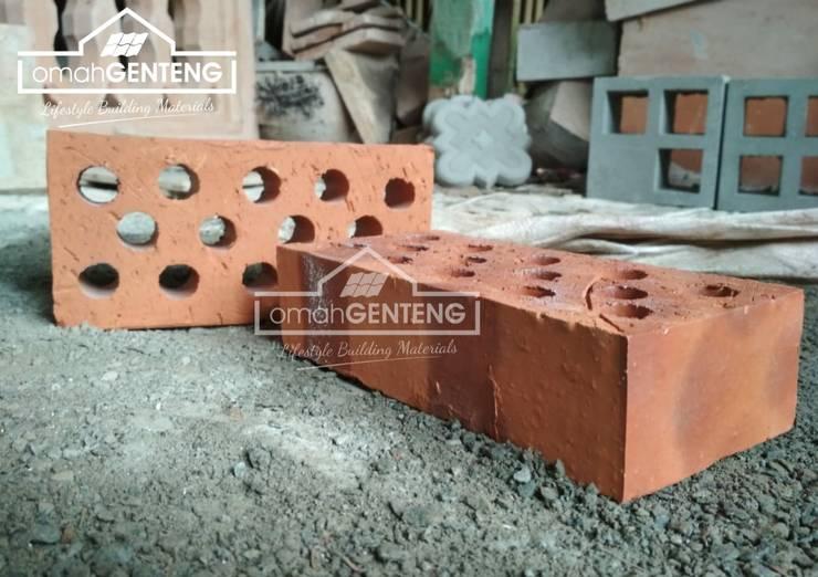 HP/WA: 08122833040 - Bata Ekspos Di Solo - Omah Genteng:  Dinding by Omah Genteng