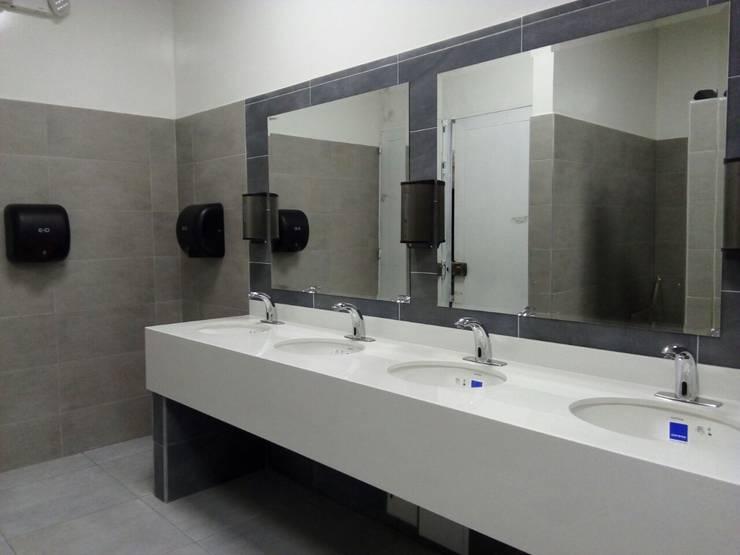 Grifería Sensor Ahorradora de Agua: Baños de estilo  por End International