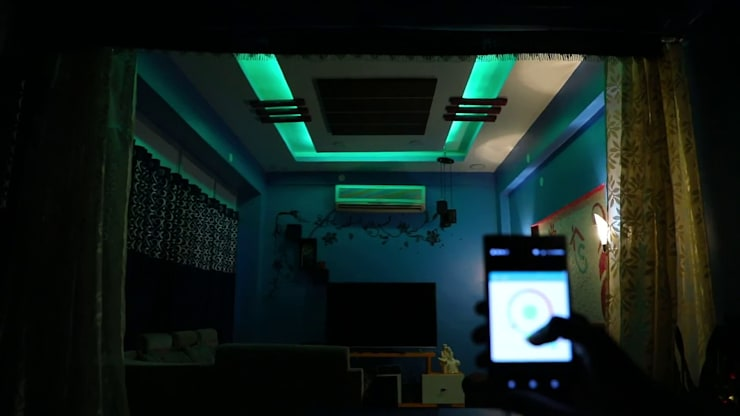 RGB Lighting:  Living room by Urobo Home Automation