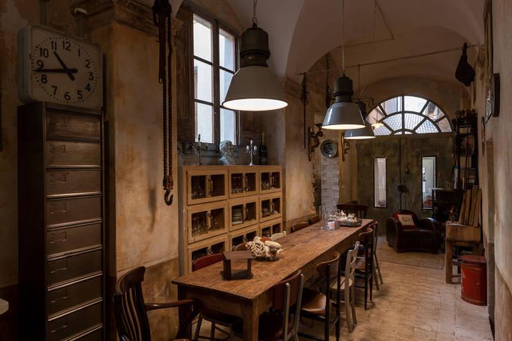 Casa FC: Cucina in stile  di GIAN MARCO CANNAVICCI ARCHITETTO