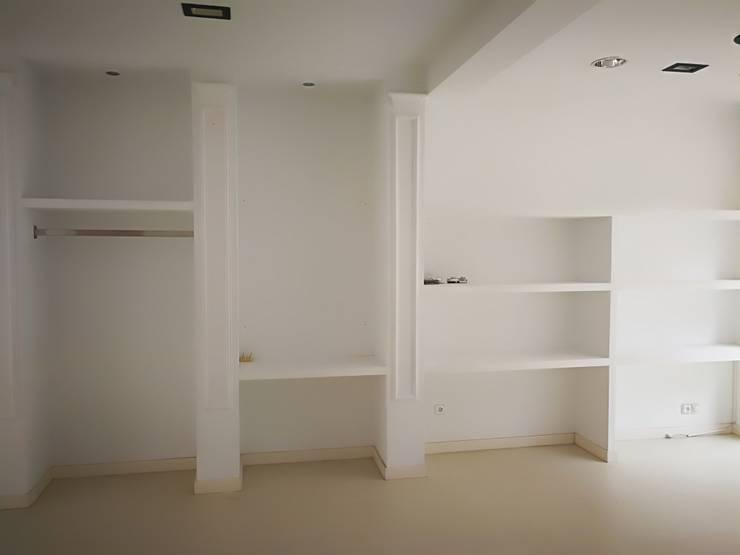 Antes: Oficinas y Tiendas de estilo  de NSG interior Design & Projects