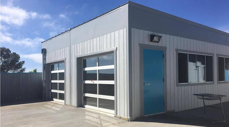 Modular Lab design and Build - San Diego French American School California:  Schools by S3DA Design, Classic