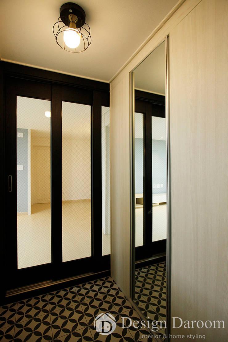 ระเบียงและโถงทางเดิน โดย Design Daroom 디자인다룸, โมเดิร์น