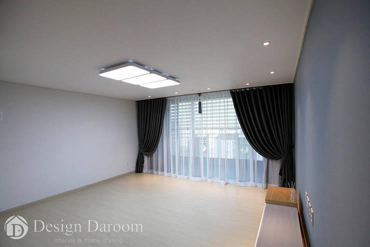 Living room by Design Daroom 디자인다룸, Modern
