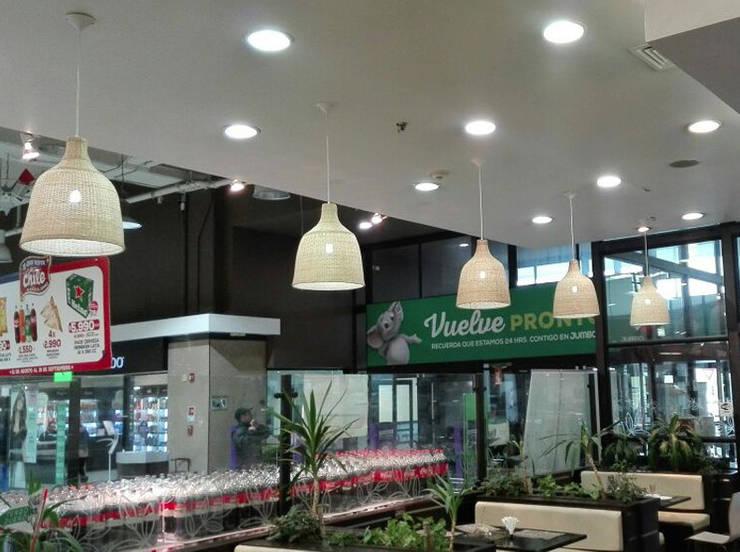 Lámpara modelo Danesa: Oficinas y tiendas de estilo  por ELMIMBRE Spa - Diseño, Fabricación y Comercialización de productos en Mimbre - Región Metropolitana - Chile