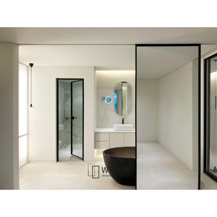 ALU-SW (편개형 여닫이 도어) 모던스타일 욕실 by WITHJIS(위드지스) 모던 알루미늄 / 아연