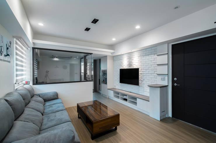 給老建築新生命的改造工程:  牆面 by 富亞室內裝修設計工程有限公司