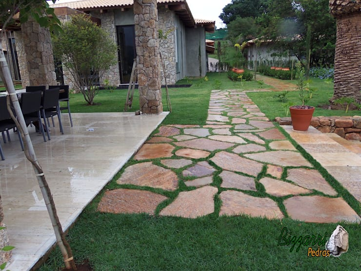 Rock Garden by Bizzarri Pedras,
