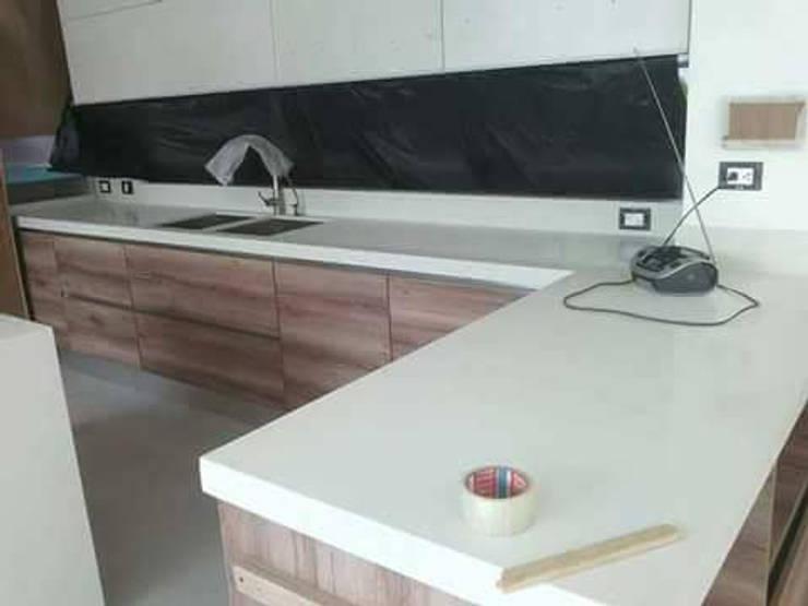 Cocina integral de Steven palta diseñador interiores Moderno Aglomerado