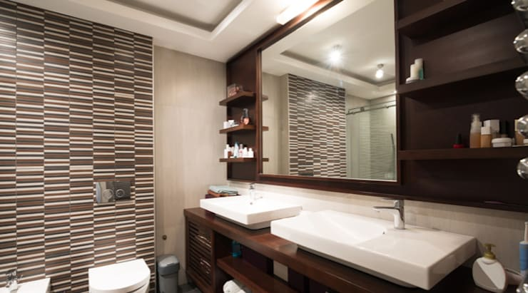 Private  Jet—Yacht—House:  Bathroom by Hector Landgrave, Modern