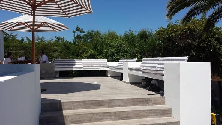 Piscines privées de style  par Camps Arquitectura, Moderne Béton