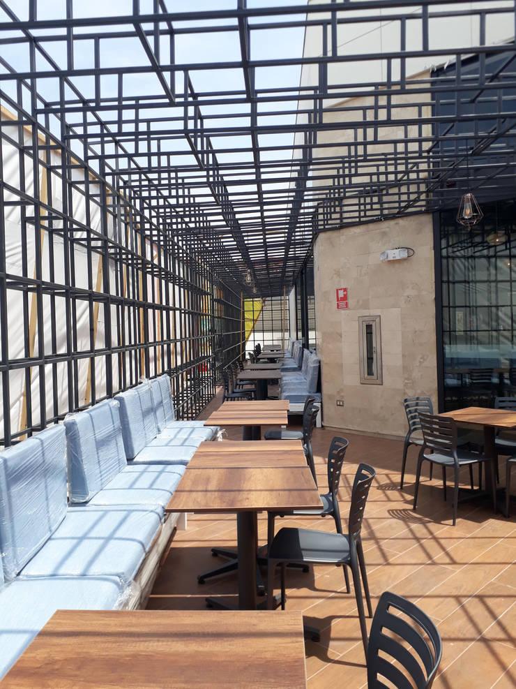 Embarcadero 41 Megaplaza: Restaurantes de estilo  por MESIA ARQUITECTOS