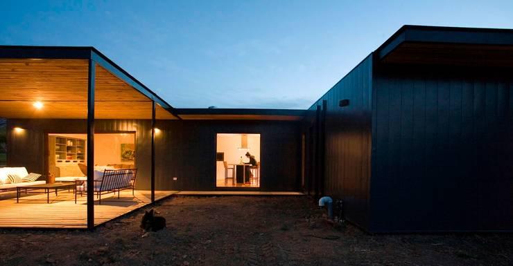 Fachada : Casas ecológicas de estilo  por INFINISKI