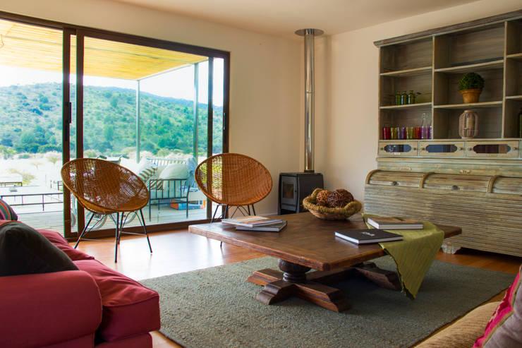 Sala de estar: Livings de estilo  por INFINISKI