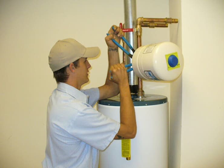 Geyser repair:  Bathroom by Plumber George