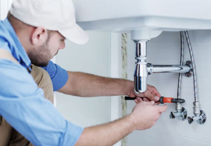 Plumber George:  Built-in kitchens by Plumber George, Classic Ceramic