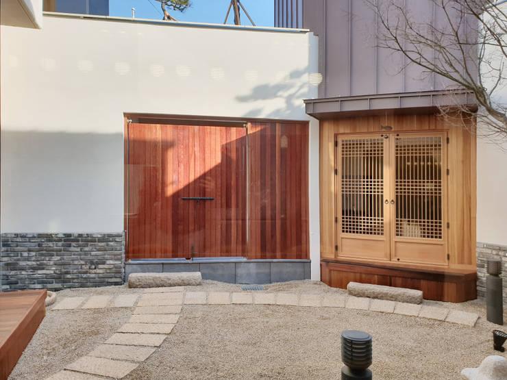 다옴재 project: 성종합건축사사무소의  앞마당,