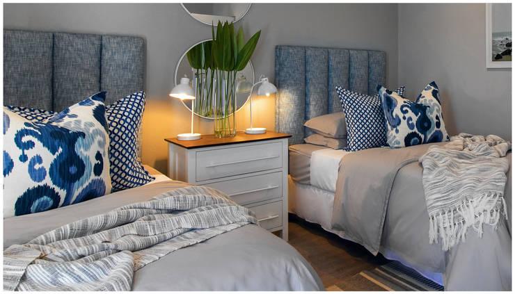 Bedroom by Joseph Avnon Interiors, Classic