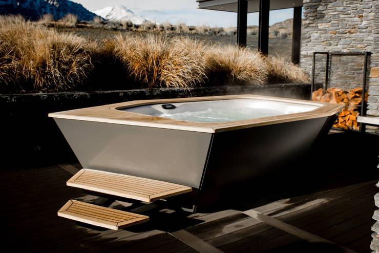 Jacuzzis de estilo  por SPA Deluxe GmbH - Whirlpools in Senden