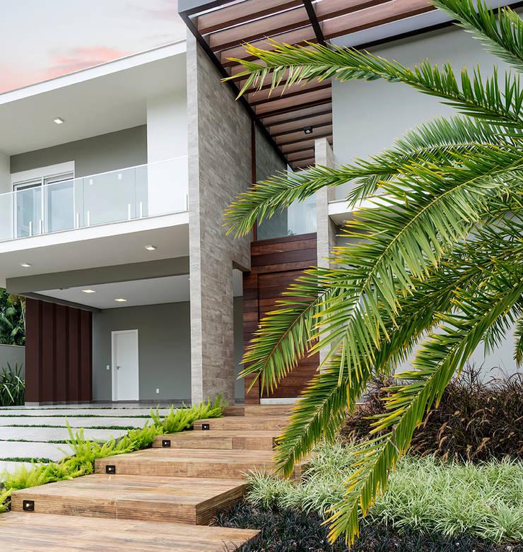 Single family home by Espaço do Traço arquitetura