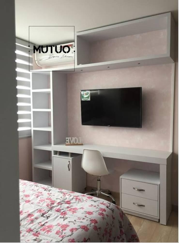 ABADIAS MONTEOLIVETTO: Dormitorios de estilo  por mutuo diseño interior