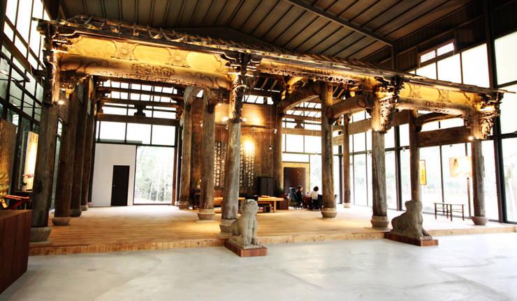 門口的兩尊辟邪像也搬運過來:  藝術品 by 台中室內建築師|利程室內外裝飾 LICHENG