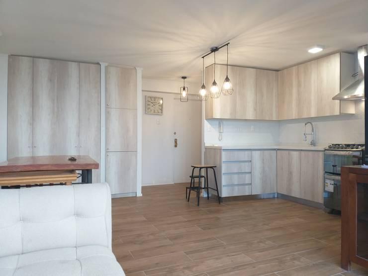 REMODELACION DEPTO MARTIN DE ZAMORA: Cocinas equipadas de estilo  por AOG