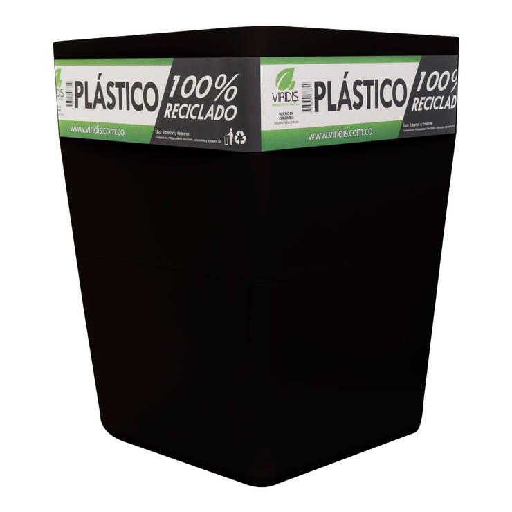 Matera Negra 40cm Inyección: Jardín de estilo  por Viridis Productos Eco Amigables